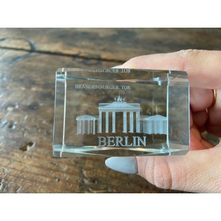Set of 2 3D paperweights with BERLIN Brandenburg Gate laser engraving, 4x6 cm